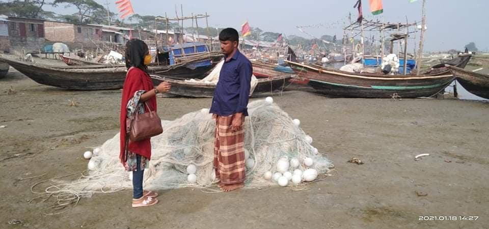 নদীতে মাছ না পাওয়ায়, করোনাকালীন দূভোর্গে দিন পার করছেন বেতুঁয়া এলাকার জেলেরা